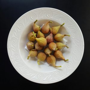 Photo of fresh picked figs in a bowl